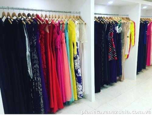 87edcc629a Alquiler de Vestidos en Barquisimeto  teléfono